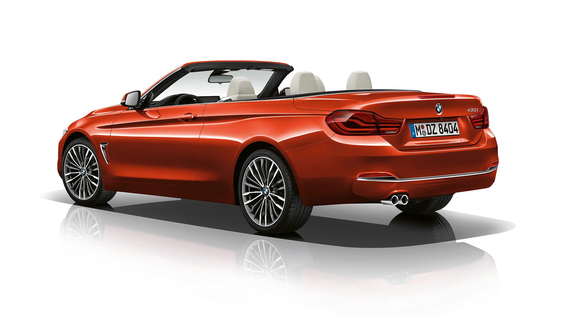 BMW 4 Series Convertible, Model Luxury Line three-quarter rear shot